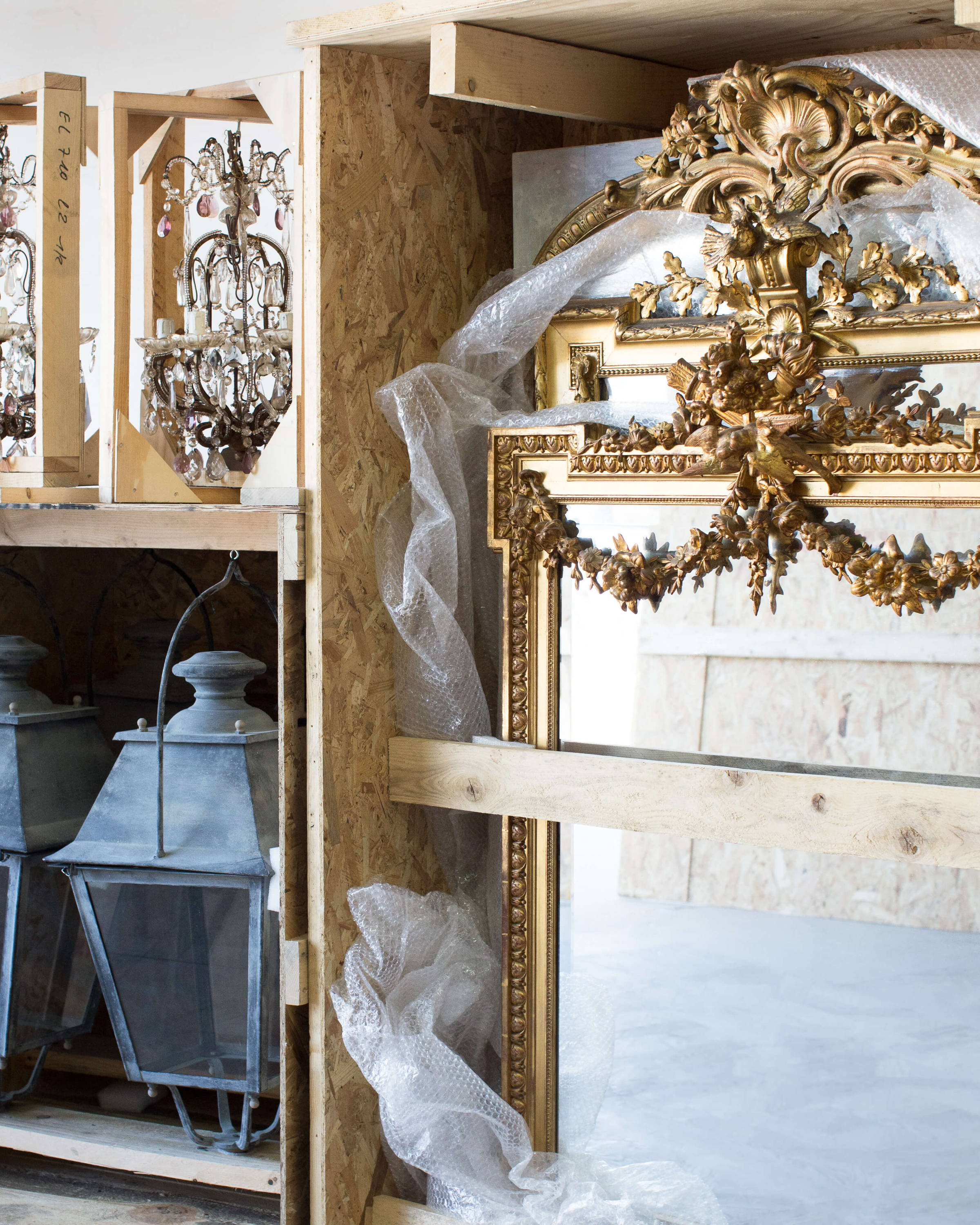 Eloquence® Antiques