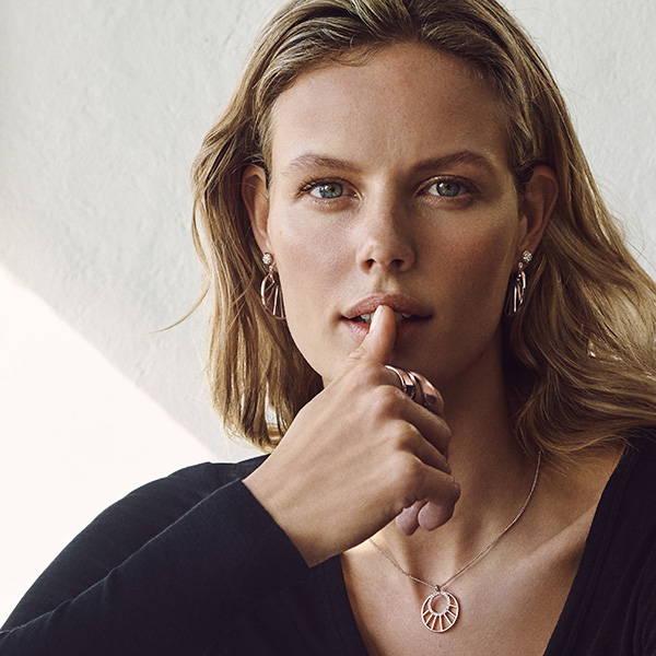 Find smukke fingerringe i skandinavisk design