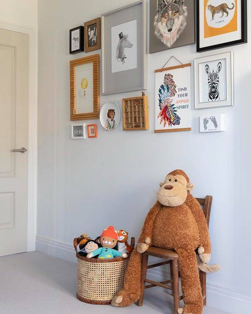 kids bedroom gallery wall