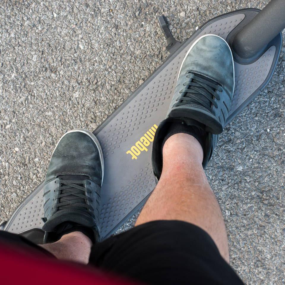 重型成人電動滑板車 G30 腳踏板尺寸後部