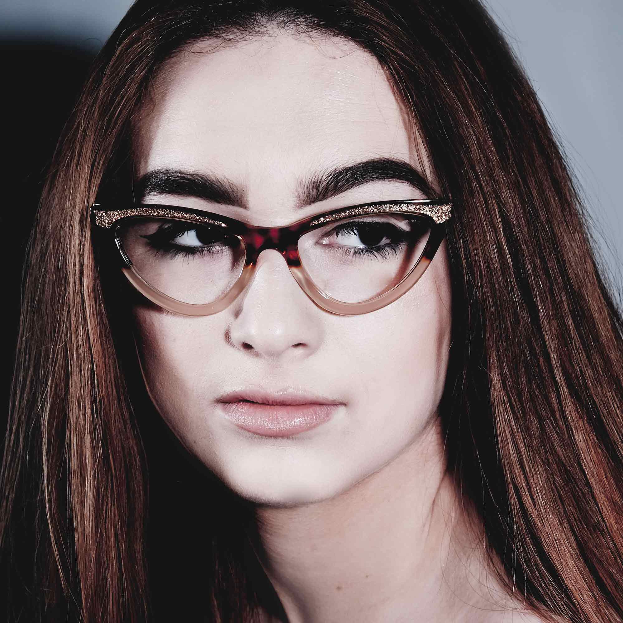 Female model wearing joiuss maryloo tortoiseshell cat eye glasses