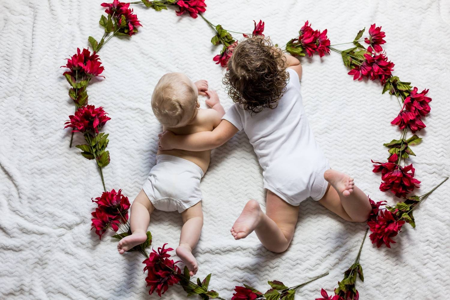 Best Ways To Deliver Your Newborn Photos To Your Clients