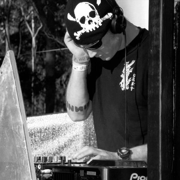 DJ HOT WIRE