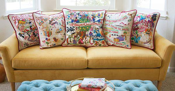 catstudio Holiday Collection - Couch with Embroidered Pillows