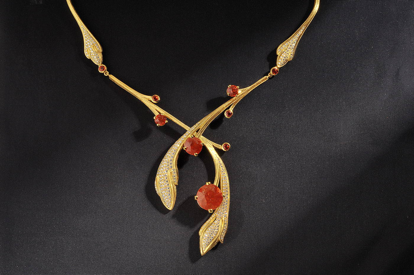 Image of Tangerine Pavel Myagkov Hall of Gems Jewelry at Field Museum