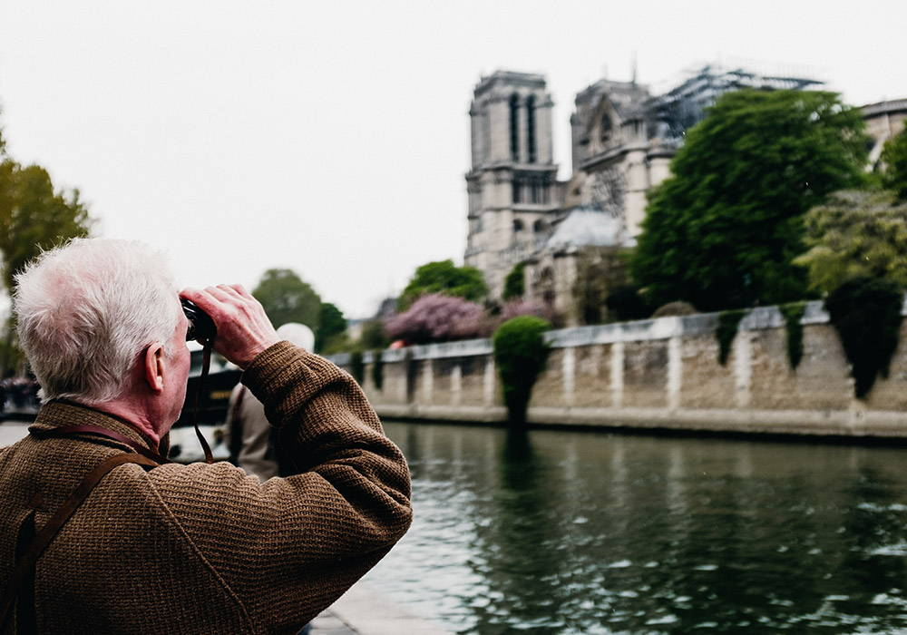 Travel Binoculars Buyer's Guide - Best Travel Binos | Bushnell
