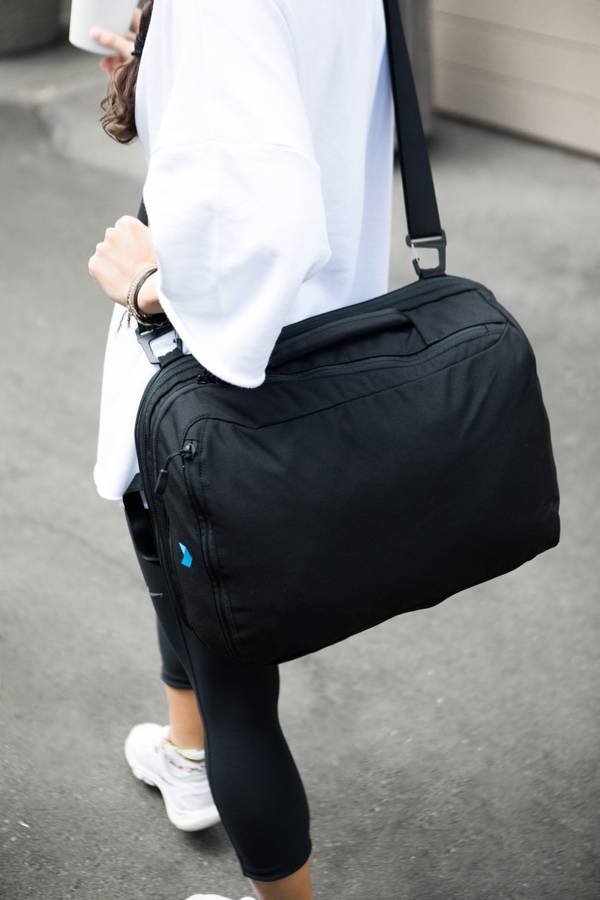 Minaal Shoulder Strap - The best carry-on backpack for men and women.