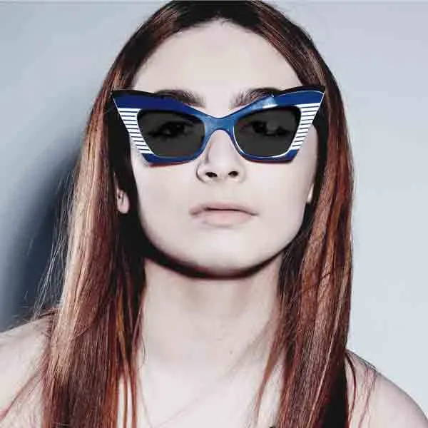 Female model wearing joiuss doreen navy & white cat eye glasses