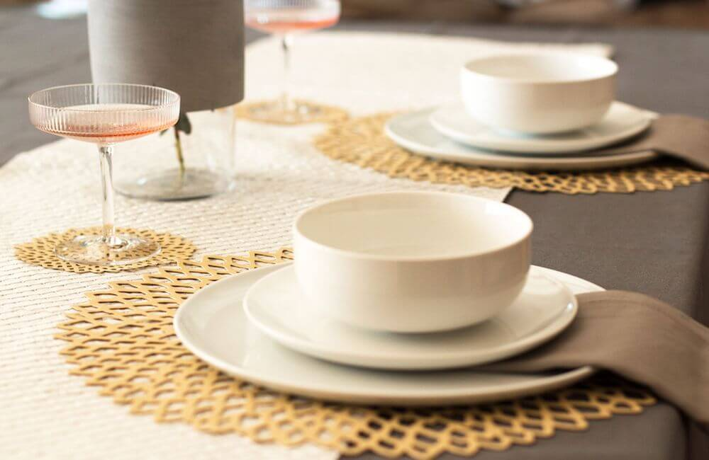 Whether you're hosting a small group or a large dinner, these holiday entertaining must-haves are essential for any host or hostess.