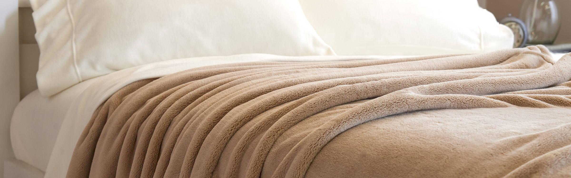 PrimaLush Bed Blanket