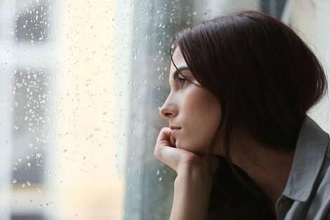 Les conseils contre la fatigue n'aident pas à combattre la dépression : il faut soigner la maladie