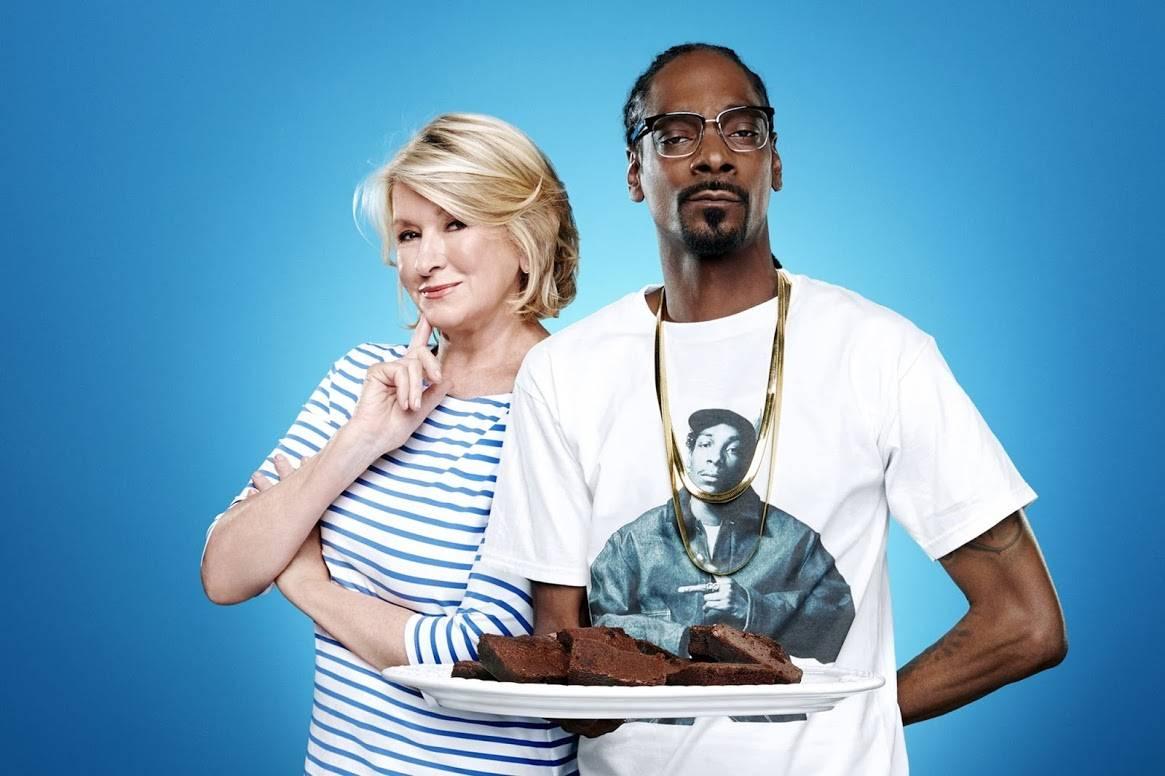Snoop Dogg and Martha Stewart with cannabis brownies
