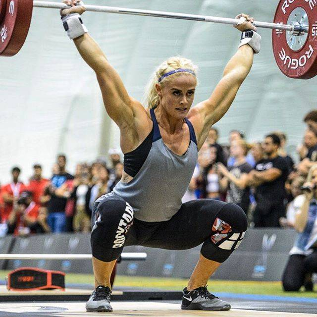 Sara Sigmundsdottir - Image from https://i.pinimg.com/736x/de/a2/3f/dea23f528529277dbb56cc5ac059a616--sara-sigmundsdottir-motivation-fitness-motivation.jpg