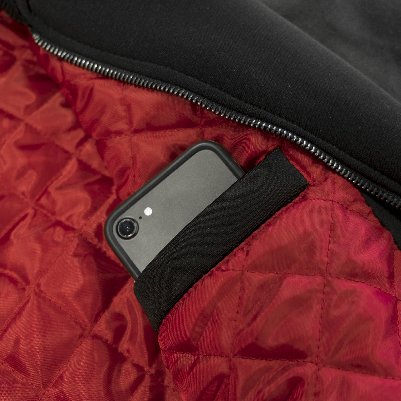 Varsity Jacket Dolly Noire collezione Spazio Tempo.Neoprene nero con maniche in eco-pelle; imbottitura interna in foderarossa trapuntata. Chiusura a zip, tasche esterne e tasca interna.