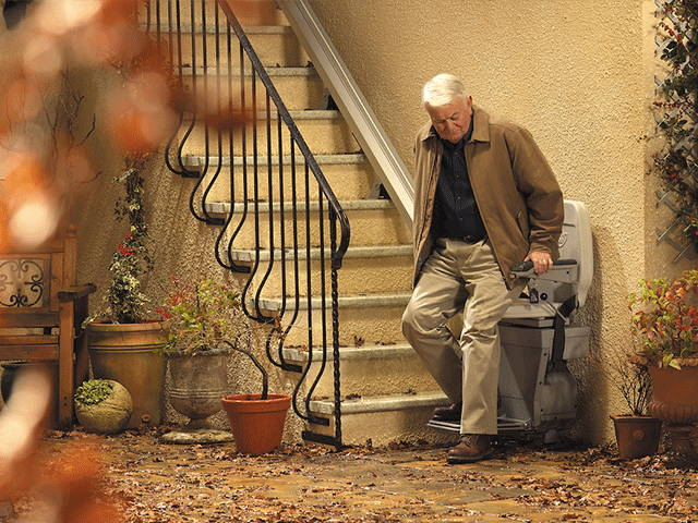 Best outdoor stairlift Stannah 320 by VIVA Mobility USA | Orlando, FL