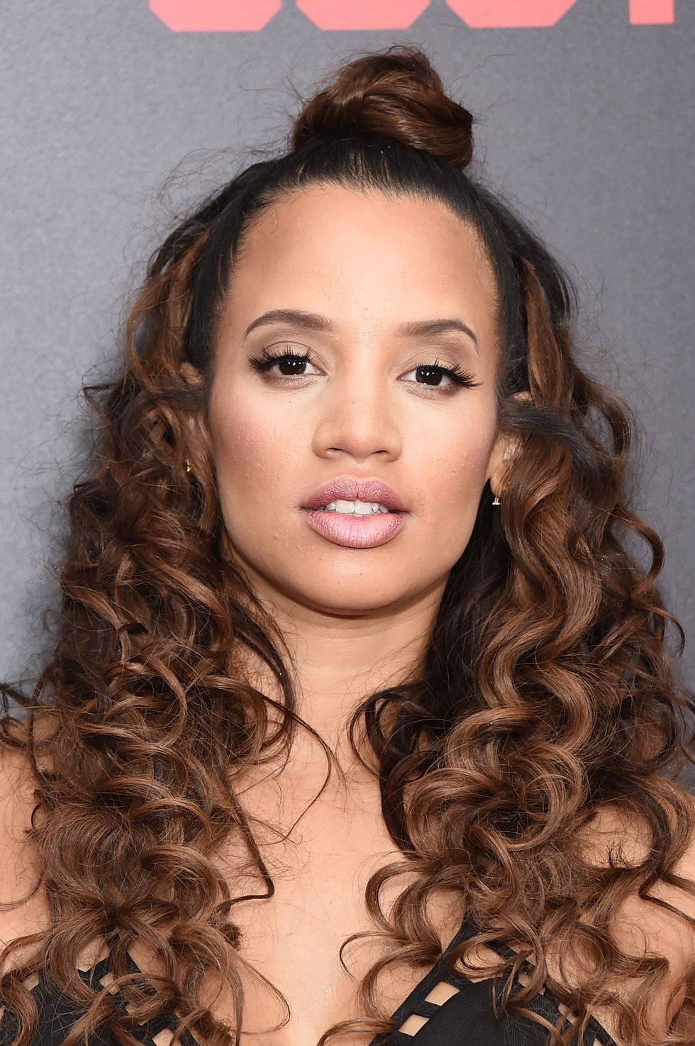 Dascha Polanco with curly hair