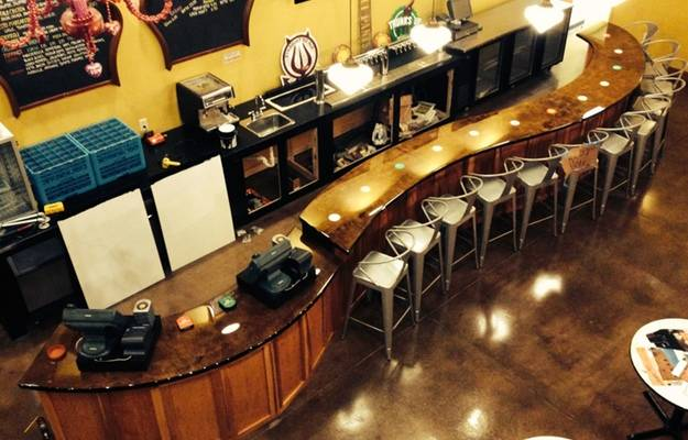 Clear Bar Top Epoxy for Restaurants