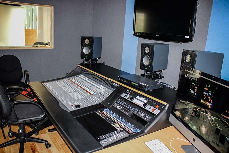 Example of Acoustic Treatment in a Commercial Recording Studio