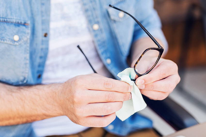 Clean your Glasses Easily
