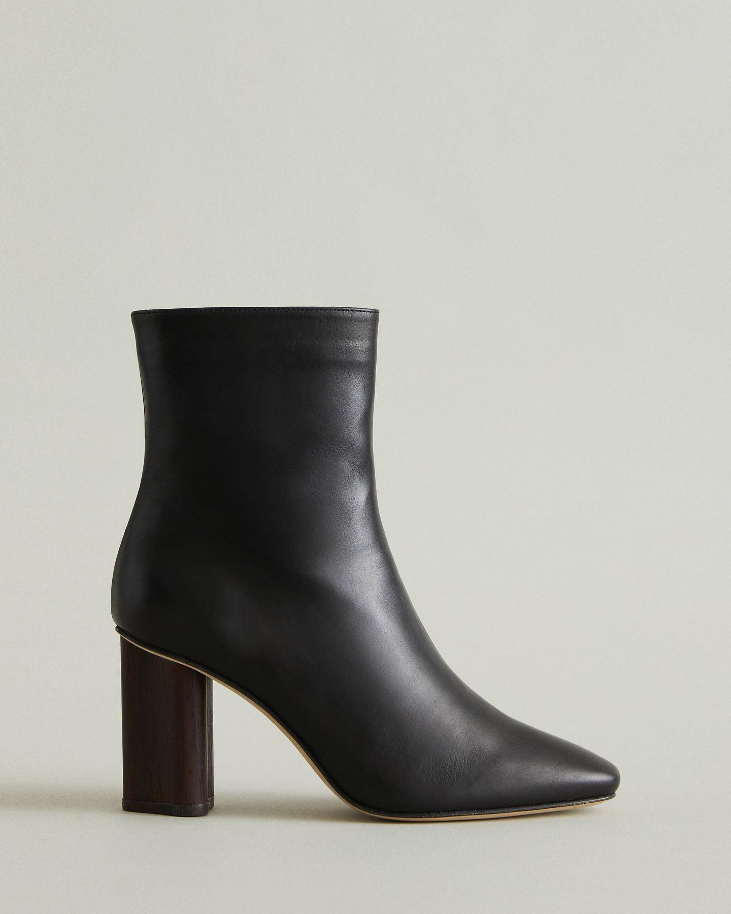 https://ca.wantapothecary.com/products/lisa-heeled-ankle-boot?utm_medium=wlesite