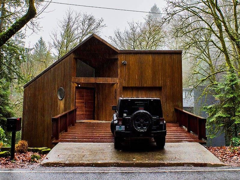 Wald house airbnb in Portland Oregon.