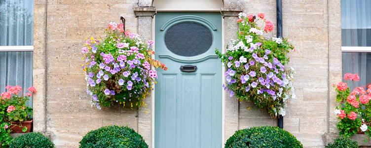 Un beau jardin anglais se décline en toute situation, du jardin au balcon, laissez-vous inspirer !