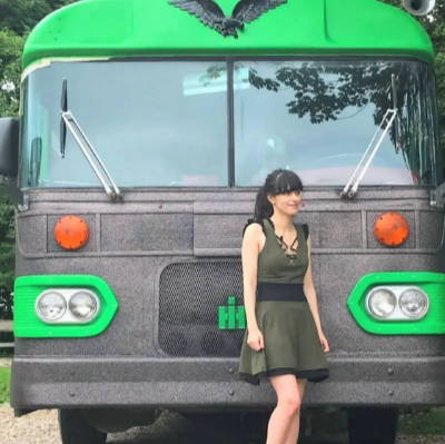 weed bus cbd subscription box cannabis bus photobooth 420 box