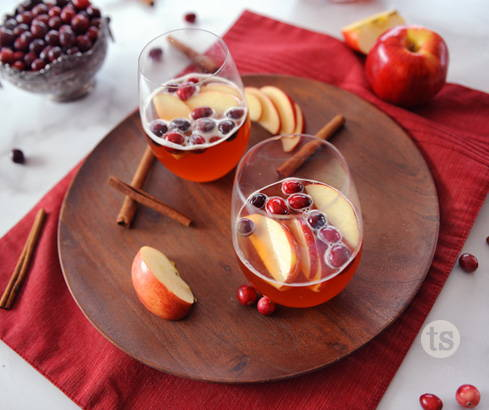 sparkling cran-apple mocktails
