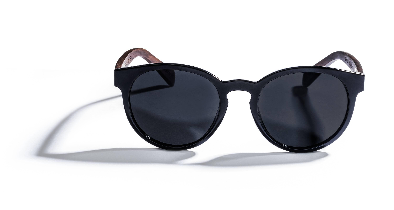 Kraywoods Luxy, Classic Round Sunglasses made from Ebony wood with polarized dark lenses