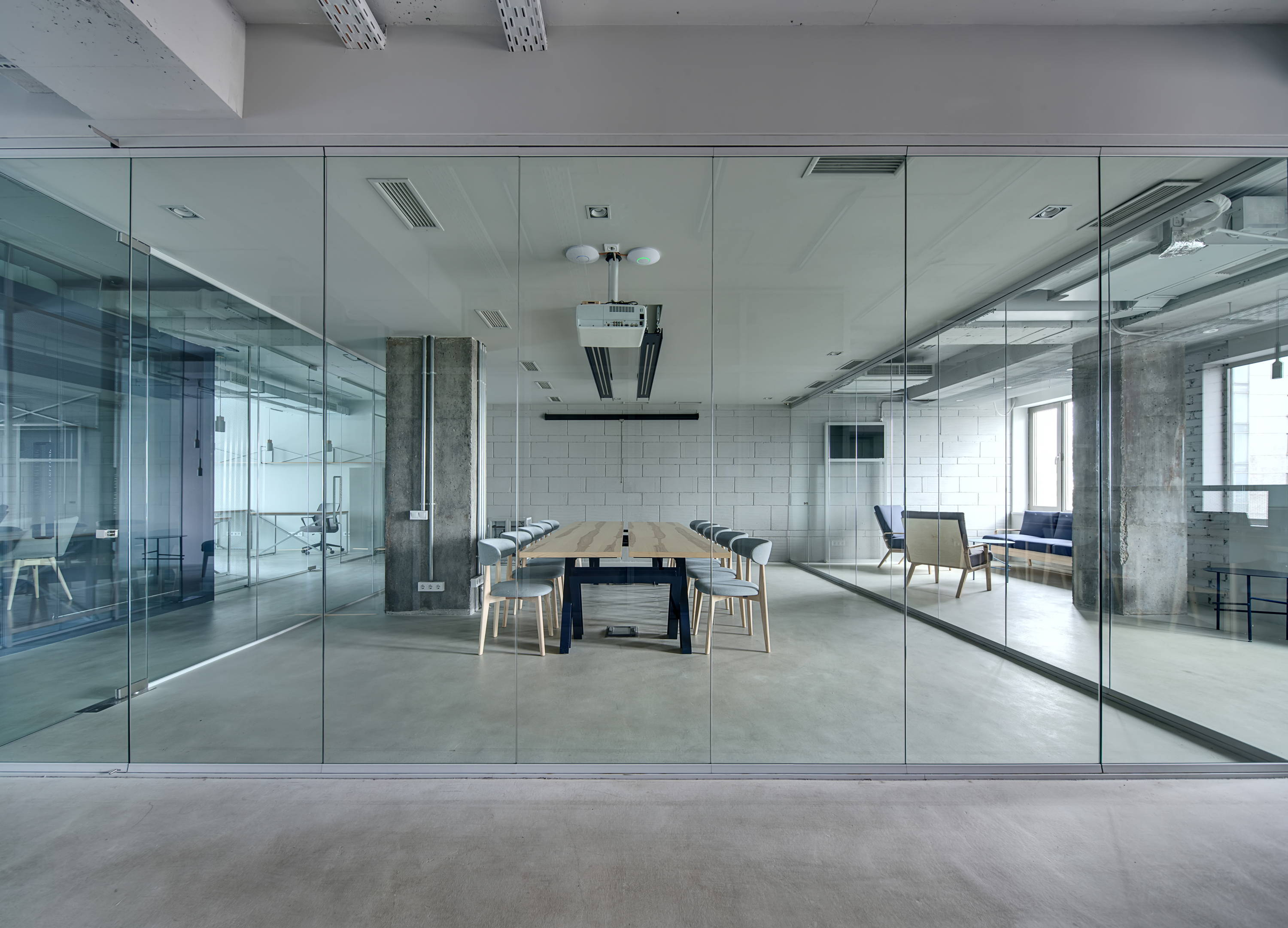 Interior standing glass office partition