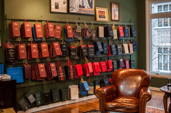 fabric-books-custom-suiting