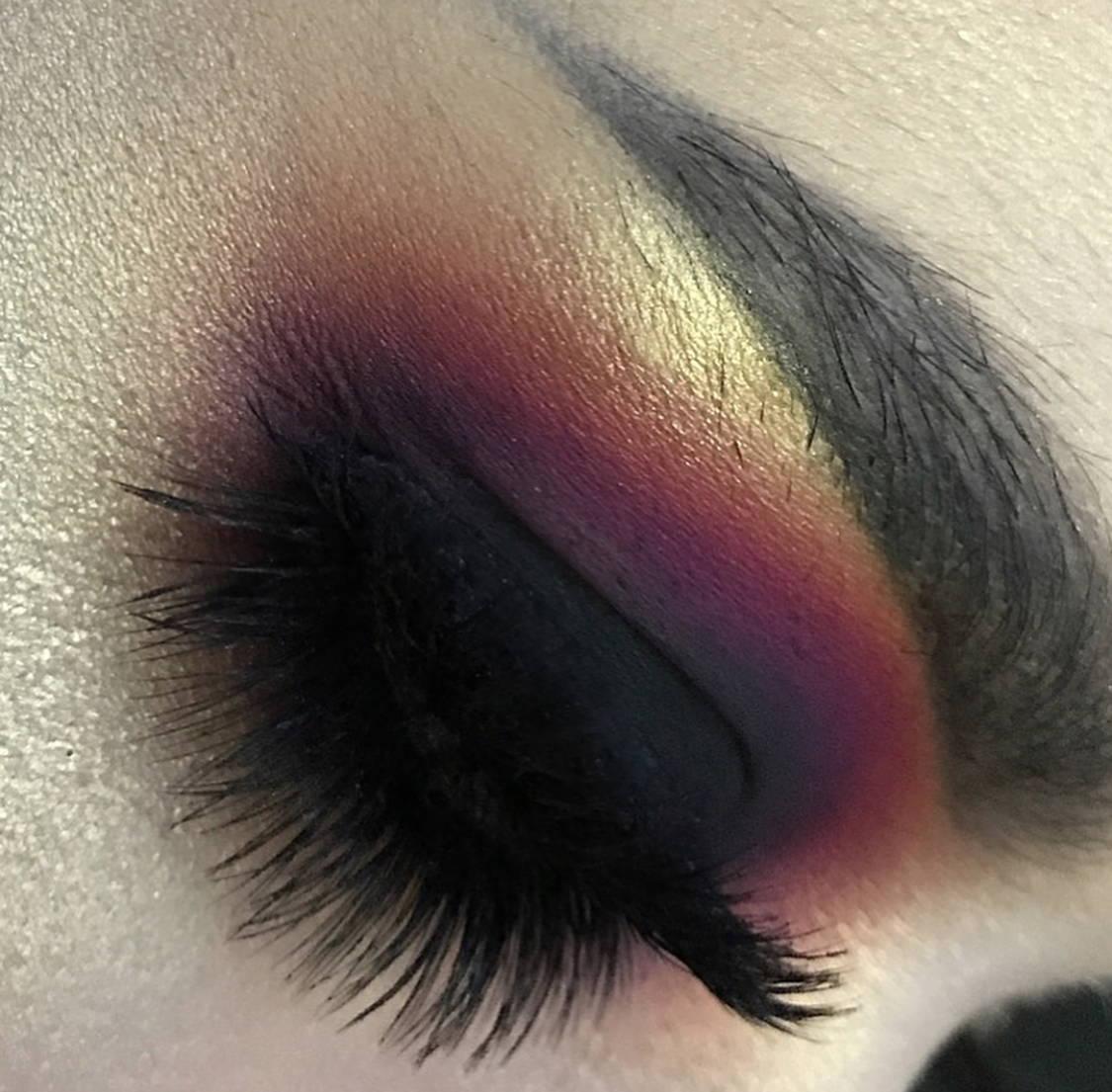 Sample Beauty Shade 35 Matte Black Eyeshadow