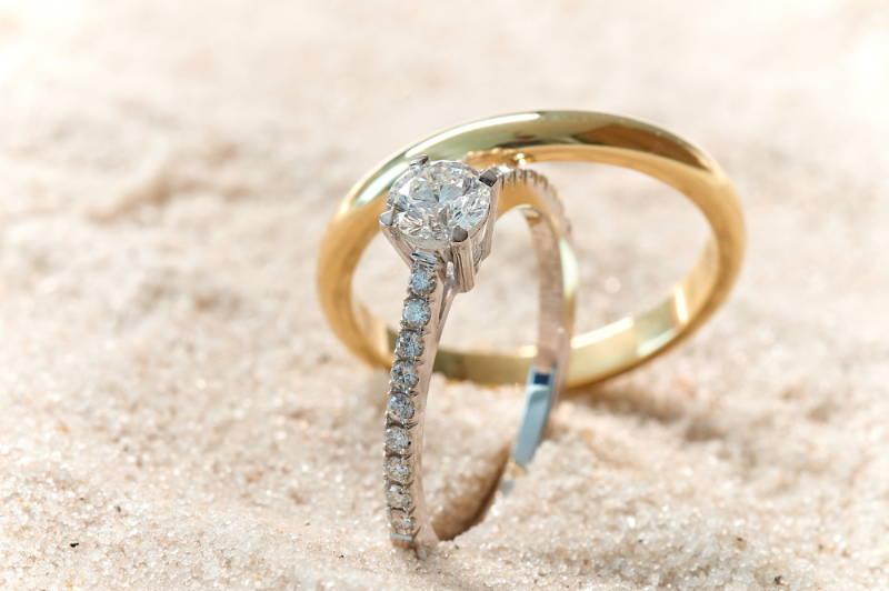 engagementring women and weddingring men