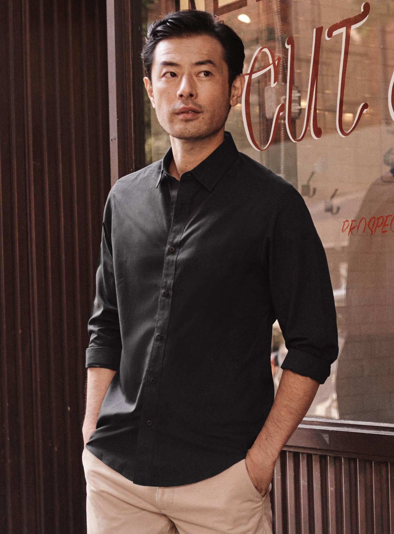 Model wearing Wrinkle Free Blackston Shirt
