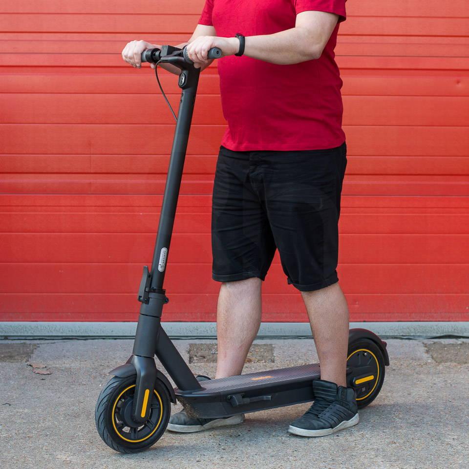 重型成人電動滑板車 Ninebot Max G30 right