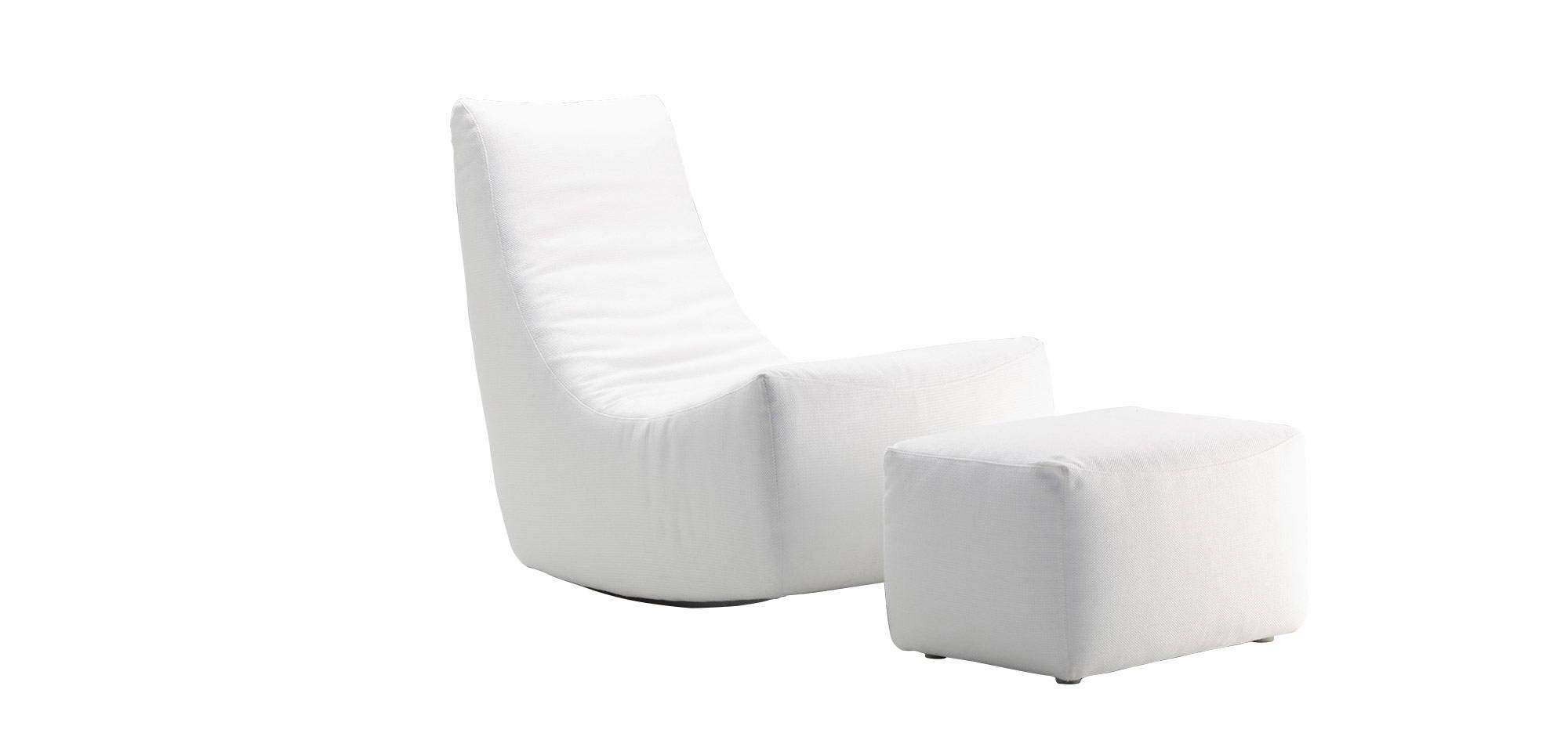 Balans-nojatuoli ja rahi, valkoinen kangas. HT Collection