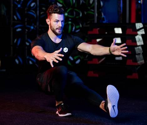 Pistol squat : sur une jambe