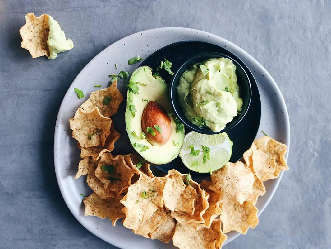 Guacamole allégé réduit en gras avec fromage cottage, recette de Isabelle Huot Docteure en nutrition