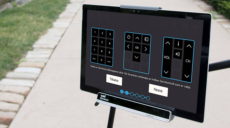 Braketten Tobii Dynavox EyeMobile Plus med nettbrettet Surface Pro brukes til å kontrollere hjemmemiljøet.