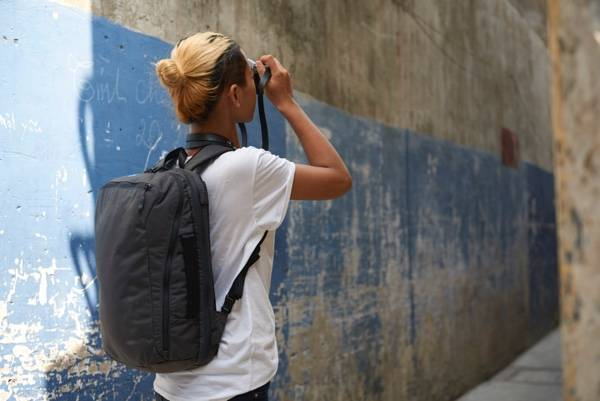 Minaal Daily Bag - The best backpack for digital nomads.
