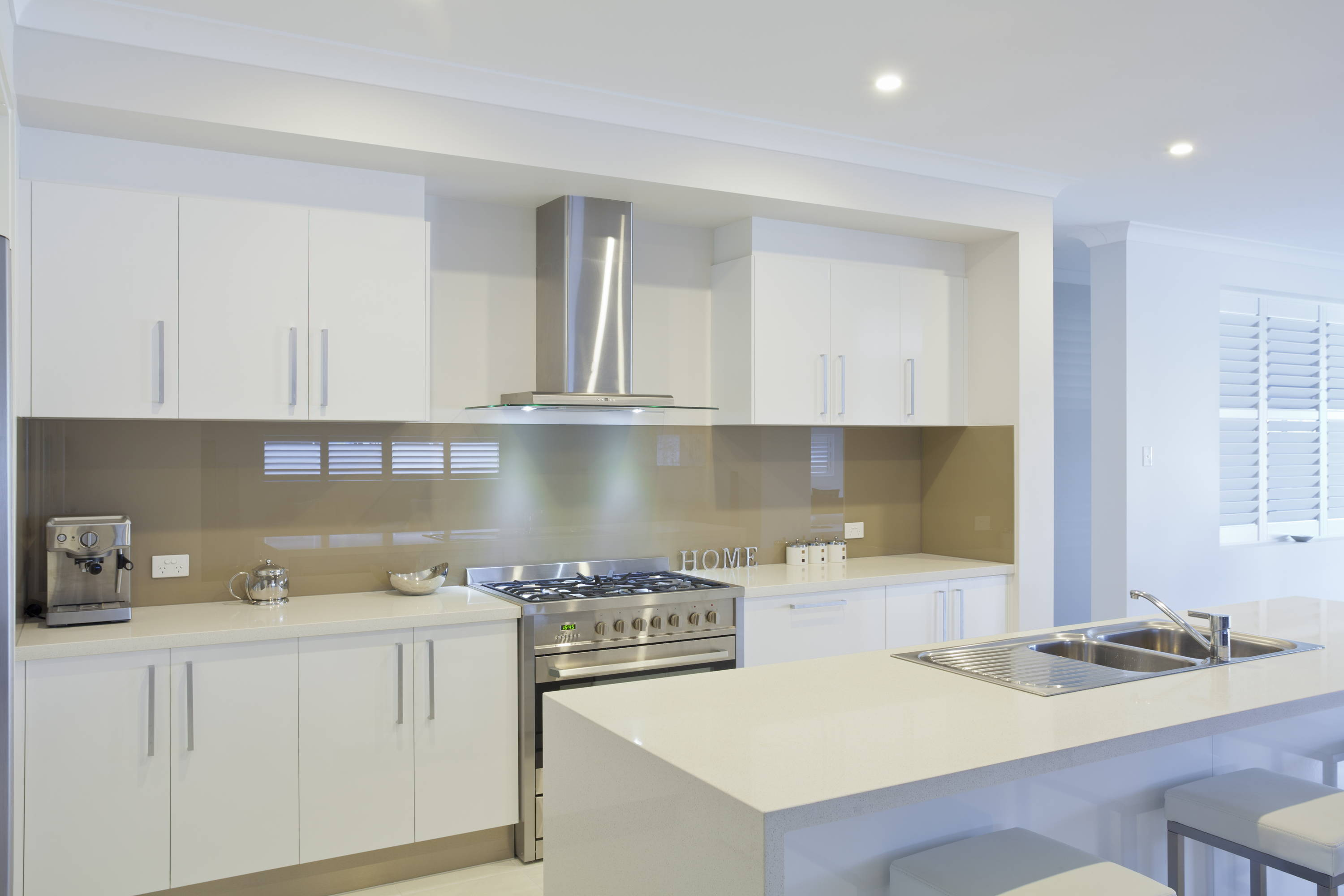 Glass Kitchen Backsplashes and Countertops Gallery | Arrow ...