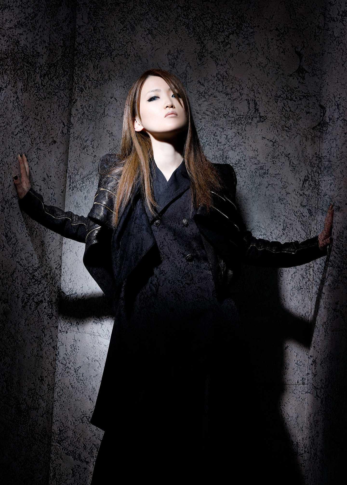 SIN ISOMER Japanese female metal singer