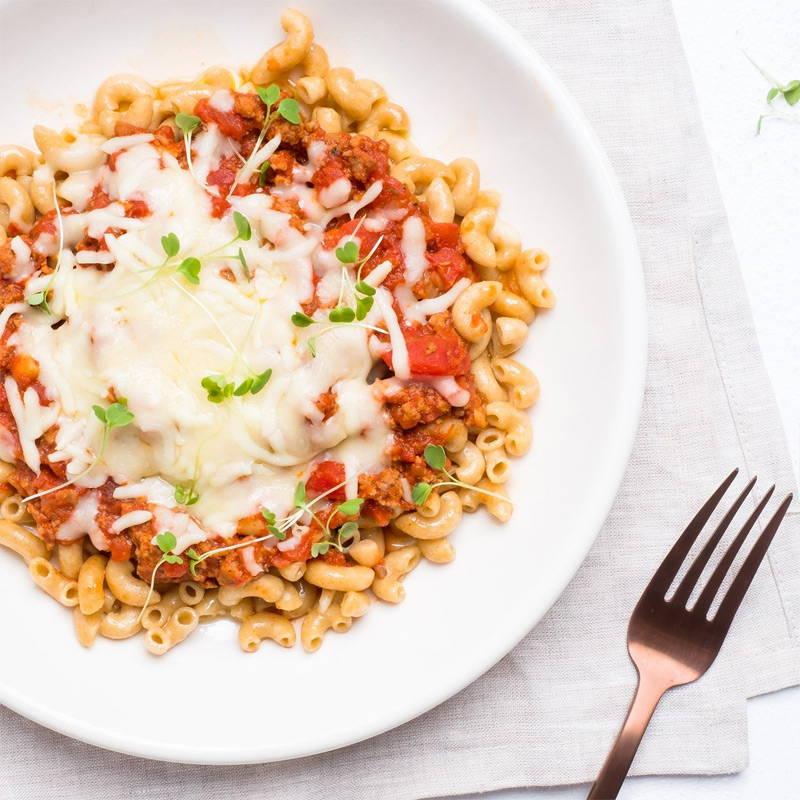 Macaronis gratinés au veau Isabelle Huot Docteure en nutrition. Plat gourmand et santé prêt en 5 minutes au micro-ondes. Amateurs de pâtes, vous allez vous régaler de ce plat de pâtes gratinées parfaitement équilibré.