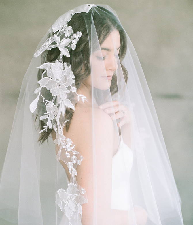 Short veils and medium length veils from She Wore Flowers. Shop bridal accessories at She Wore Flowers.
