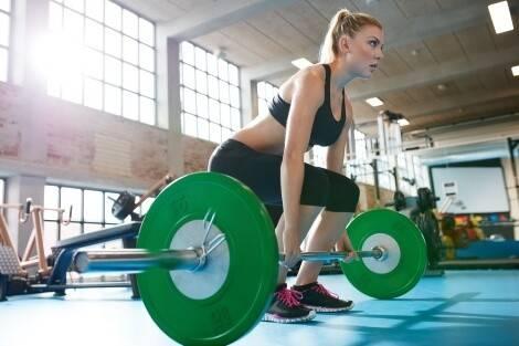 Tipp: Kreuzheben ins Muskelaufbau-Training integrieren