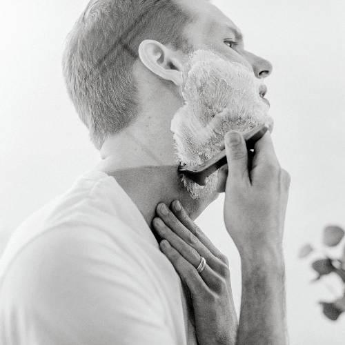 Straight Razor Solve Common Shaving Problems
