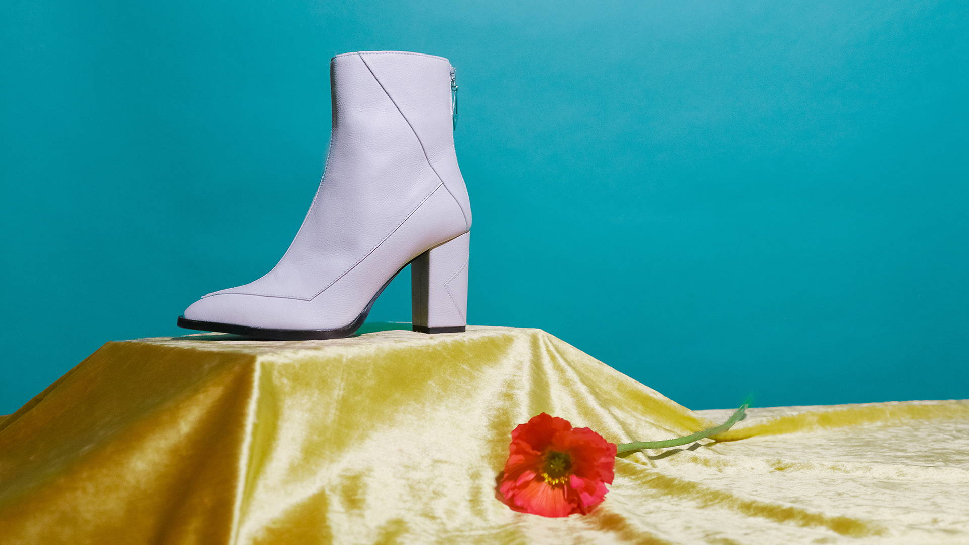 Plant-based vegan leather white Almasi boot