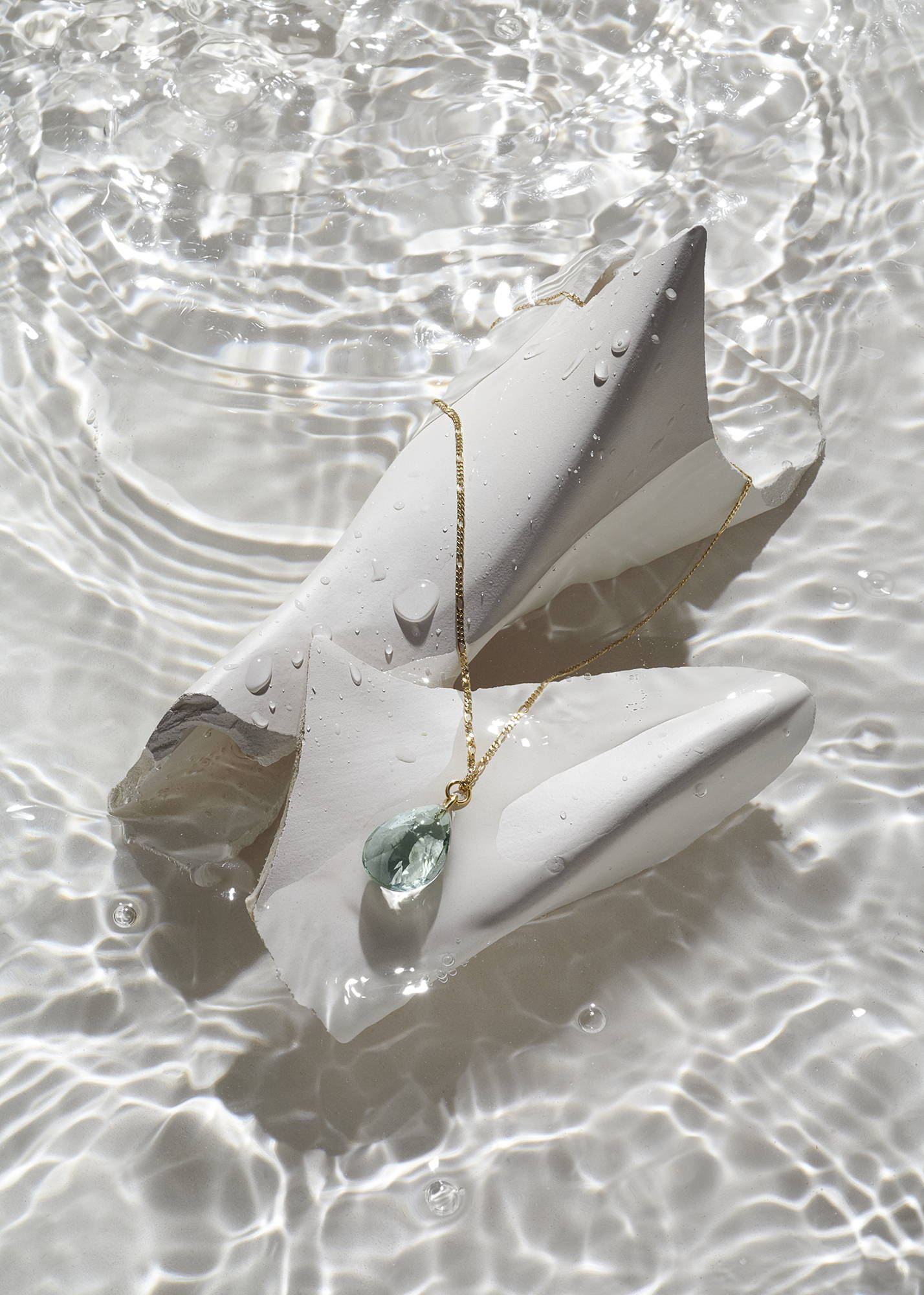 prasiolite pendant on 14k gold figaro chain. sustainable jewelry made in germany