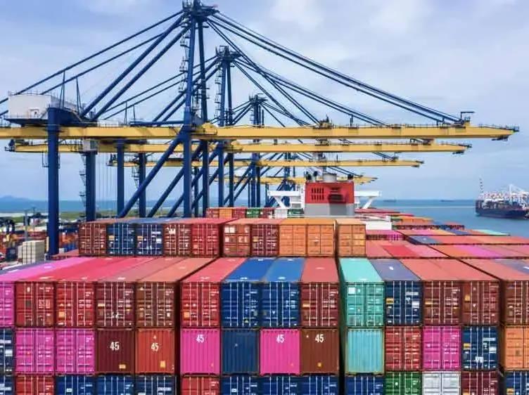 How Overseas Shutdowns Affect Furniture Shipping