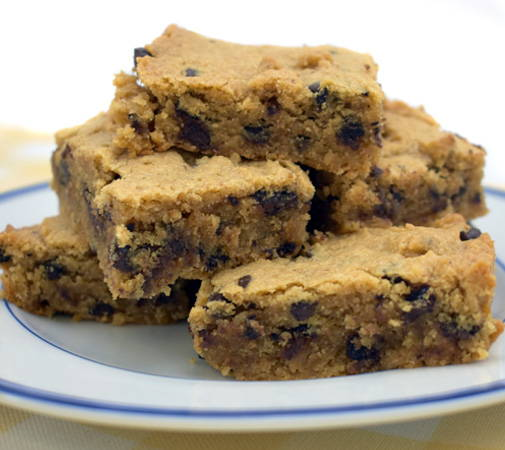 gluten-free chocolate chip peanut butter cookie bars